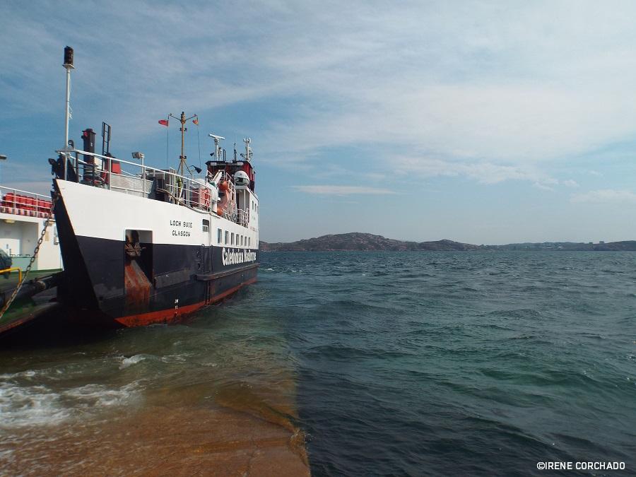 Calmac Ferries-barco-iona