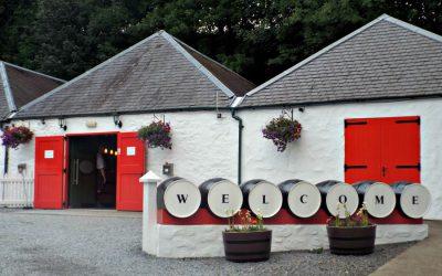 La destilería de Edradour, la más pequeña de Escocia