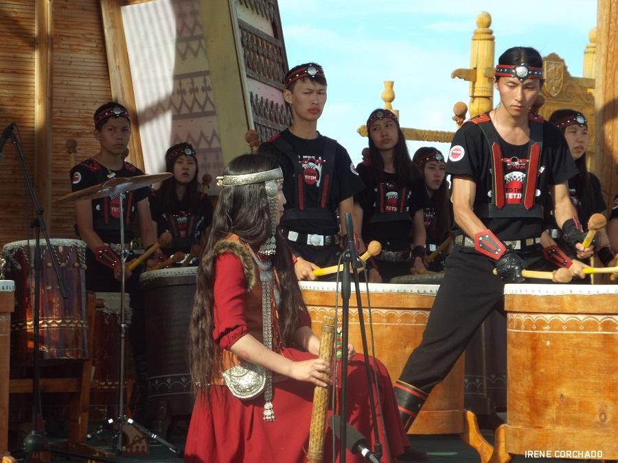 festival ysyakh, musicos, Yakutia, Rusia